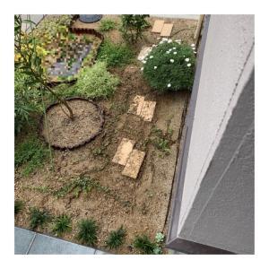 植栽スペース@敷石代わりの煉瓦の向きを変える