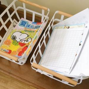 夏休みの宿題の置き場。