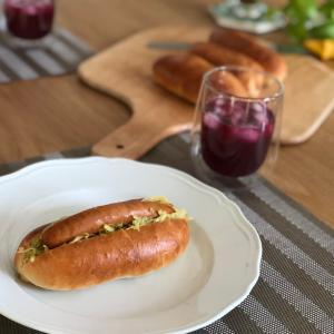 今日のランチ 〜 手作りコッペパンでチョリソードッグ