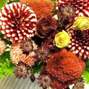 気分華やぐフラワーライフ * 9月の花贈り便 *