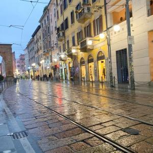 🇮🇹 本場イタリアのクリスマス ・ ミラノ 大にぎわいなトリノ通り♪
