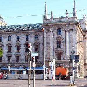 ドイツ ミュンヘン駅前をチラ見💕