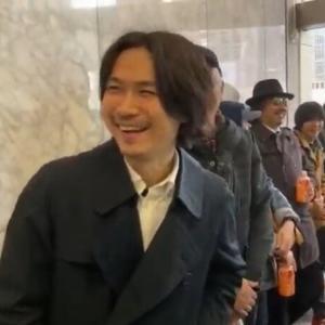 平塚正幸と愉快な仲間たちが東京都庁の都議会議事堂を襲撃www