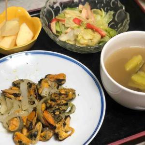 今日の晩飯「ムール貝とタマネギの炒め物」-禁酒21日目