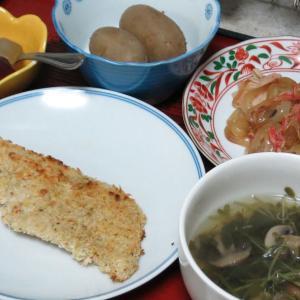 今日の晩飯「骨無し白身魚のパン粉焼き」-しわ寄せを伸ばす日