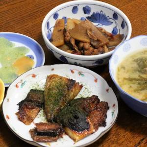 今日の晩飯「サバとサンマの蒲焼」