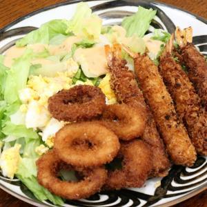 今日の昼飯と晩飯「イカリングとエビフライ」