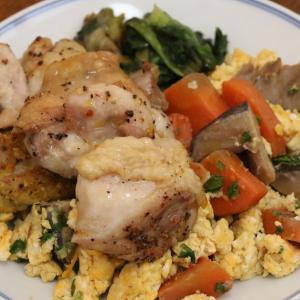 今日の昼飯と晩飯「味付き鶏モモ肉のオーブン焼き」