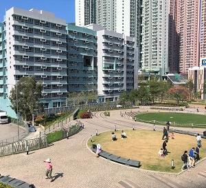 地元民の憩いの場と、英語の絵本と、無料ケーキと、献血と。☆Tong Ming Street Park in Tseung Kwan O