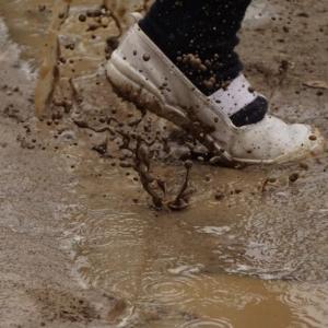 【洗濯の悩み】落ちない泥汚れを落とす方法は?正しい洗い方を徹底検証!