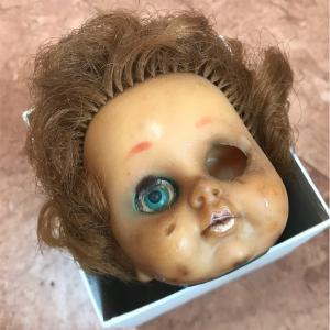 50年前に製作された狂気の作品、キューピー人形風の頭部を譲り受けました