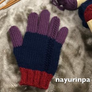 3色で手袋①