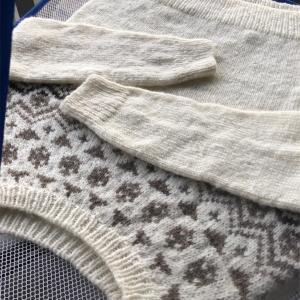 国産羊毛手紡ぎ糸で編む丸ヨークセーター④〜はじまりのセーター展