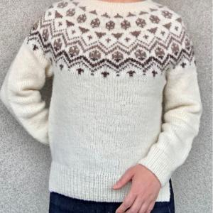 国産羊毛手紡ぎ糸で編む丸ヨークセーター完成!〜はじまりのセーター展