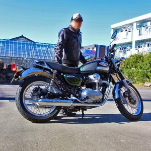私が買ったバイクはW800 というバイク