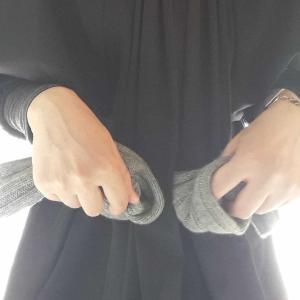 【手ぶらは「心の余裕」の証?】両手と、ポケットと、小さなお財布の、お話。