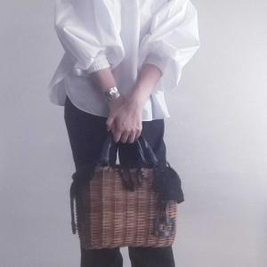 【届いた!新しいコート!】白いブラウスと黒パンツのスタイリング。の、お話。