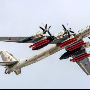 ツポレフ Tu-95MS と Kh-101 長距離巡航ミサイル