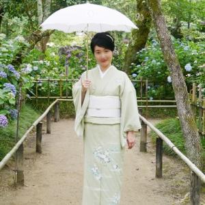 桔梗と秋草模様の訪問着で、矢田寺へ