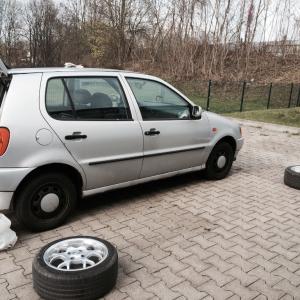 車のタイヤを自分で交換Raederwechsel出来ますか?!通常タイヤと冬用タイヤ交換の義務!