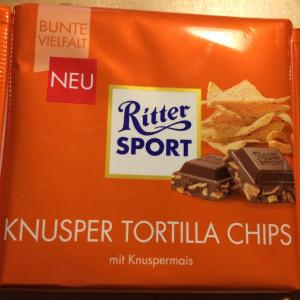 柿の種チョコレートに似た味!? ドイツで味わえる似非柿の種!