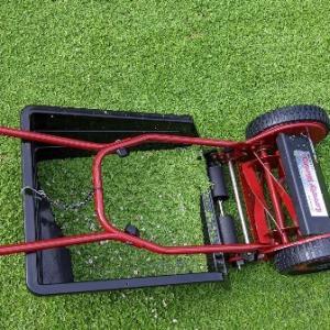 クラピアをうまく刈れない芝刈り機もあります