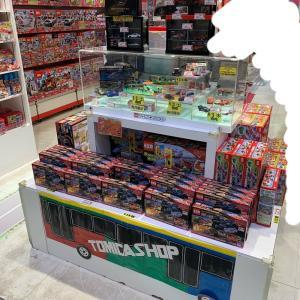 【店舗状況】トミカショップ東京駅店 センチュリー(初回特別仕様)なぜかこっそり展示中…/トミカショップオリジナルにレアもの販売中/ミニイベントが個人的に激熱/組立工場はランボ!