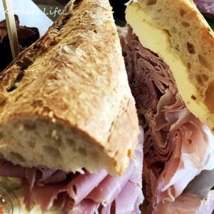 オリジナルのハムがたっぷりのサンドイッチ~@望遠