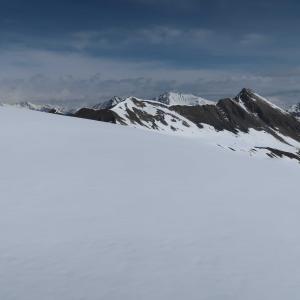 1泊山スキー2日目、稜線へ(5月)