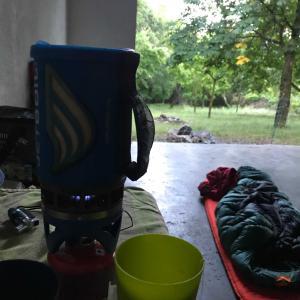 大雨の夜に野宿