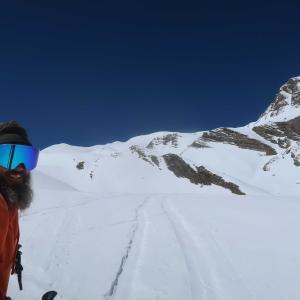 初夏スキー、2919mの頂上へ
