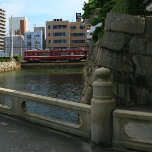 城の石橋から