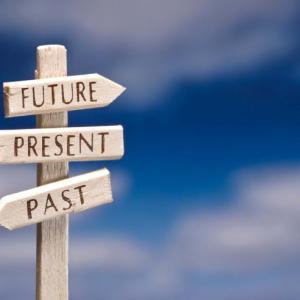 社会学的には過去でもない、未来でもない、今を生きることなどできない説を検証