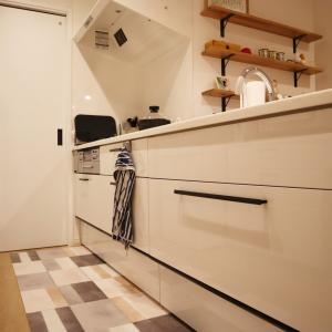 システムキッチン収納①~消耗品やストック食材、鍋などの保管場所