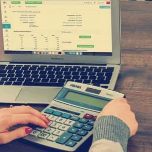 創業融資で確実に資金調達できる事業計画書の作り方を事業計画書テンプレートの例を示して丁寧に解説
