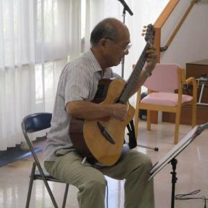 杜のギタリスト