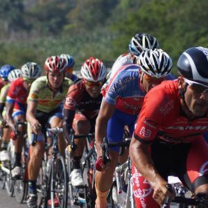サイクリングにおける他者との距離はどれくらい取るべきか?湘南ベルマーレサイクリングチームの方針も。