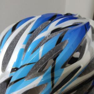 ロードバイク用のヘルメットって高いものと安いものがあるけど、何を買えばよいの?