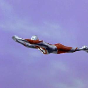 ウルトラマンの飛び方