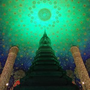 インスタグラムで話題のお寺『ワットパクナム』はタイの新しい観光名所