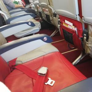 エアアジアでの帰国便は3席独占で快適なフライトだった!