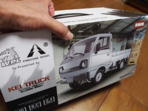 1/10ラジコン軽トラックを衝動買い!