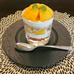 ママの探究心♡黄桃のグラスショートケーキ
