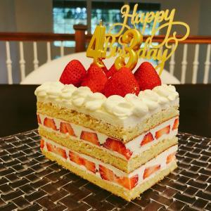 お誕生日の手作り苺ショートケーキ♡