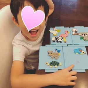 5歳息子のアクアビーズ作品と絵