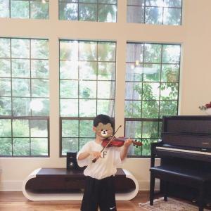 サッカー少年、バイオリンも頑張って!