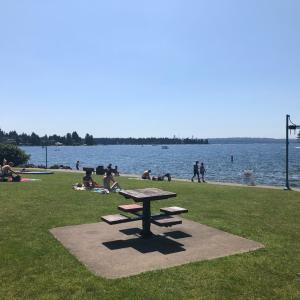 日曜日はワシントン湖でビーチ遊び♡