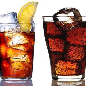 【炭酸ソーダをたくさん飲むと、慢性腎臓病の発症リスクが高まる】