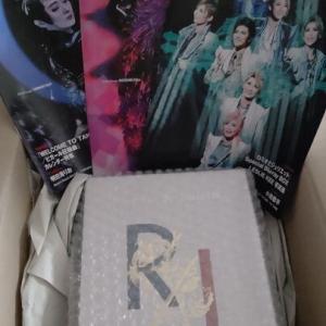 珠城×朝美コンビが楽しくも真剣に見入っちゃう(そして涙する)「ロミジュリBOX」ビジュアルコメンタリー