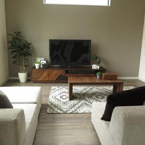 リビングの隣が和室!という間取りにおすすめなソファの活用術をご紹介します!ソファの中央を通路に?